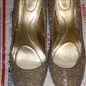 Bandolino Sparkling silver pumps, women's 8.5